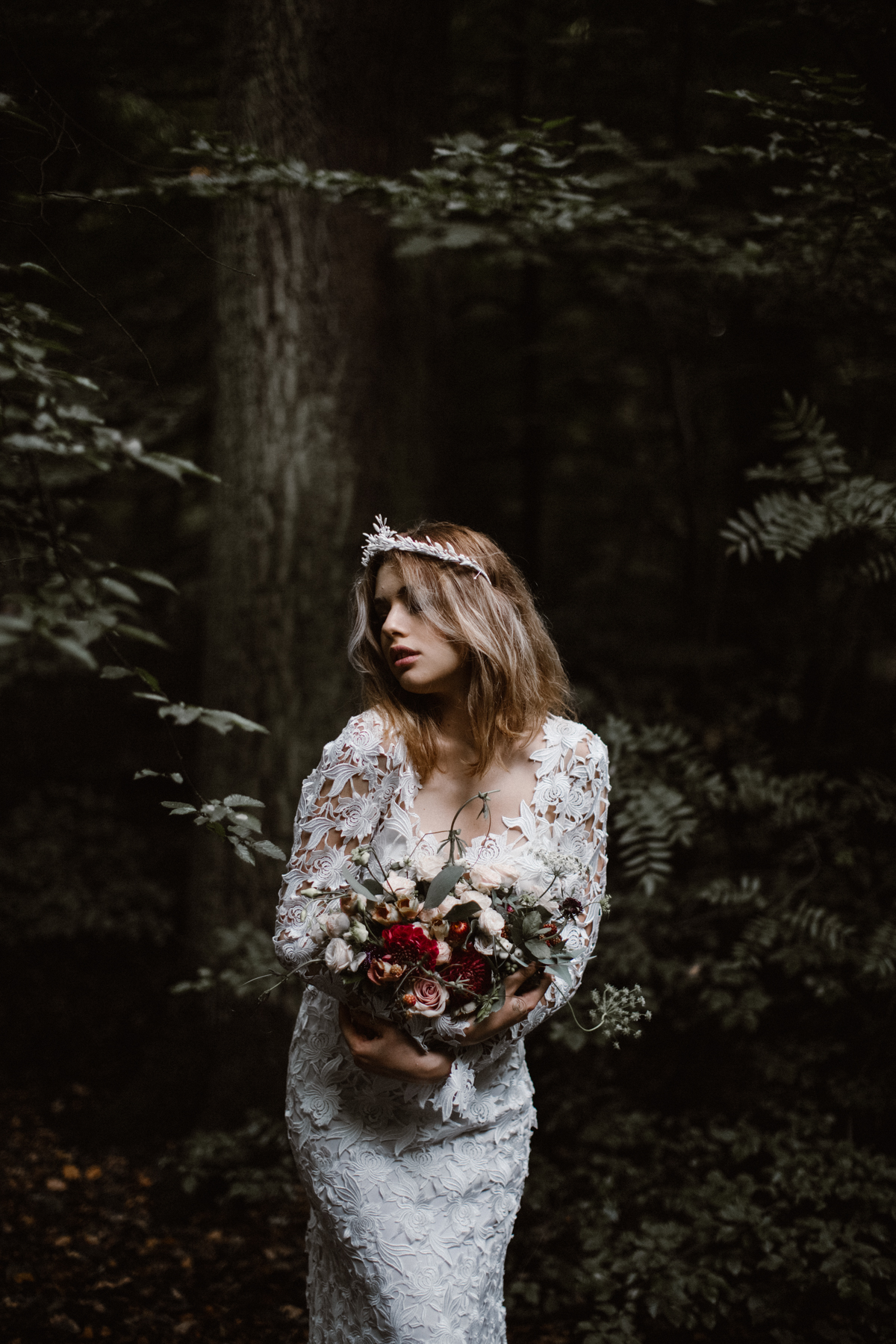 river-and-fern-london-bride-woodland-shoot-15