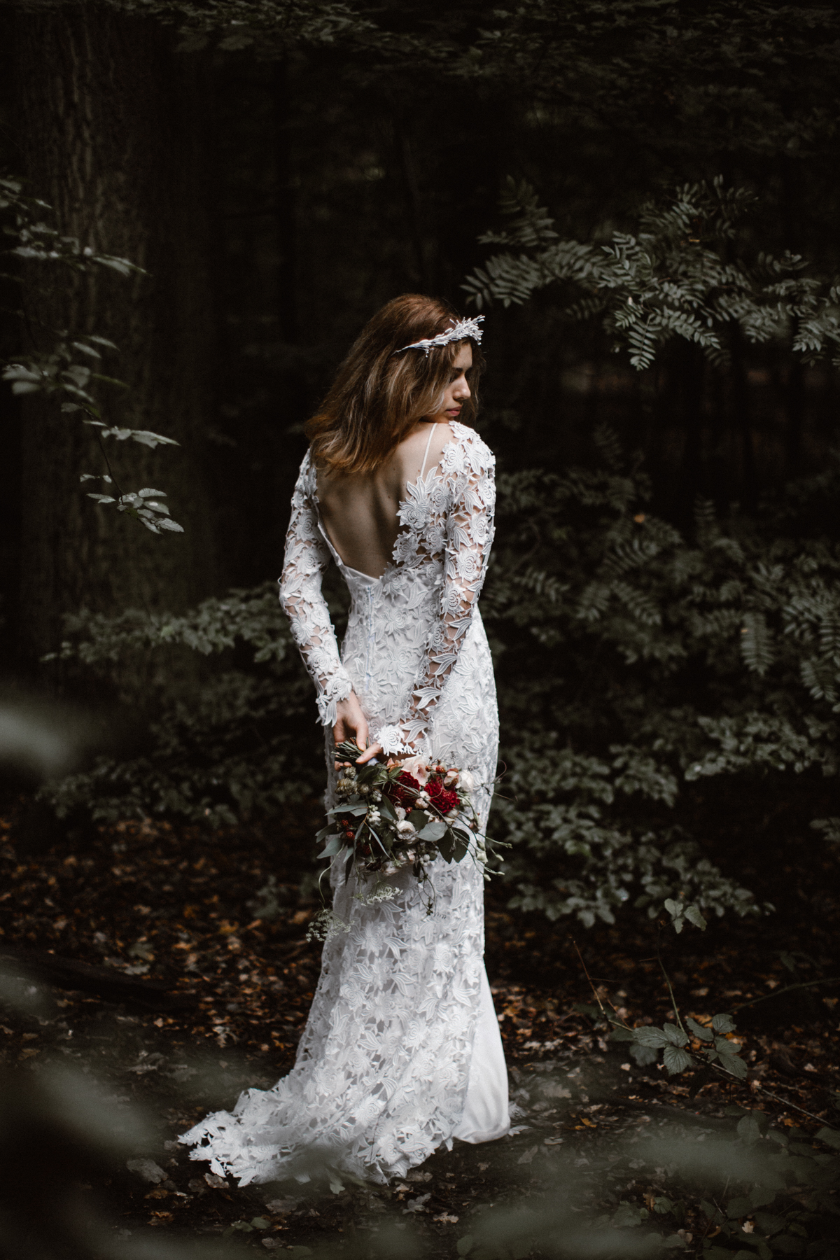 river-and-fern-london-bride-woodland-shoot-19
