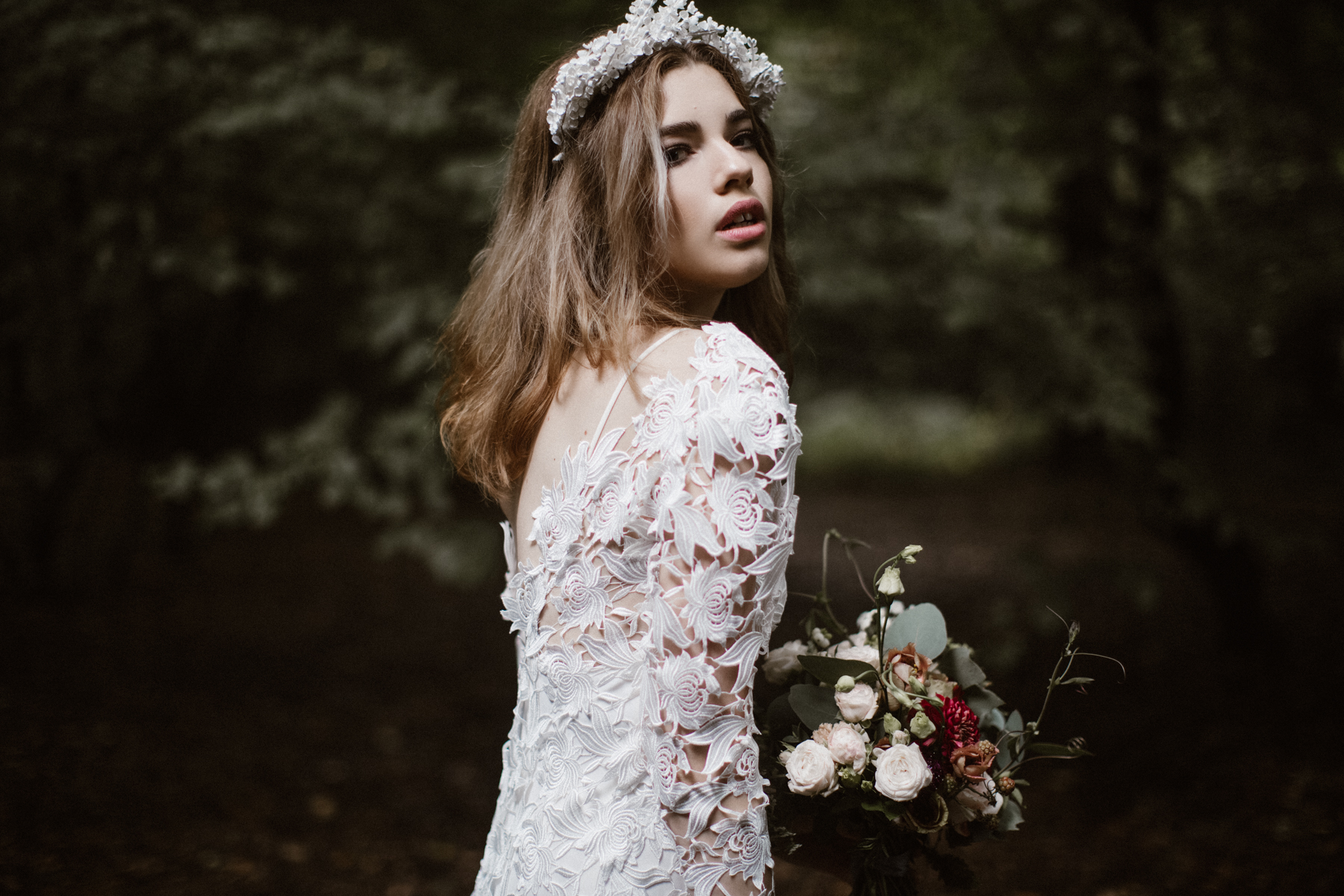 river-and-fern-london-bride-woodland-shoot-2