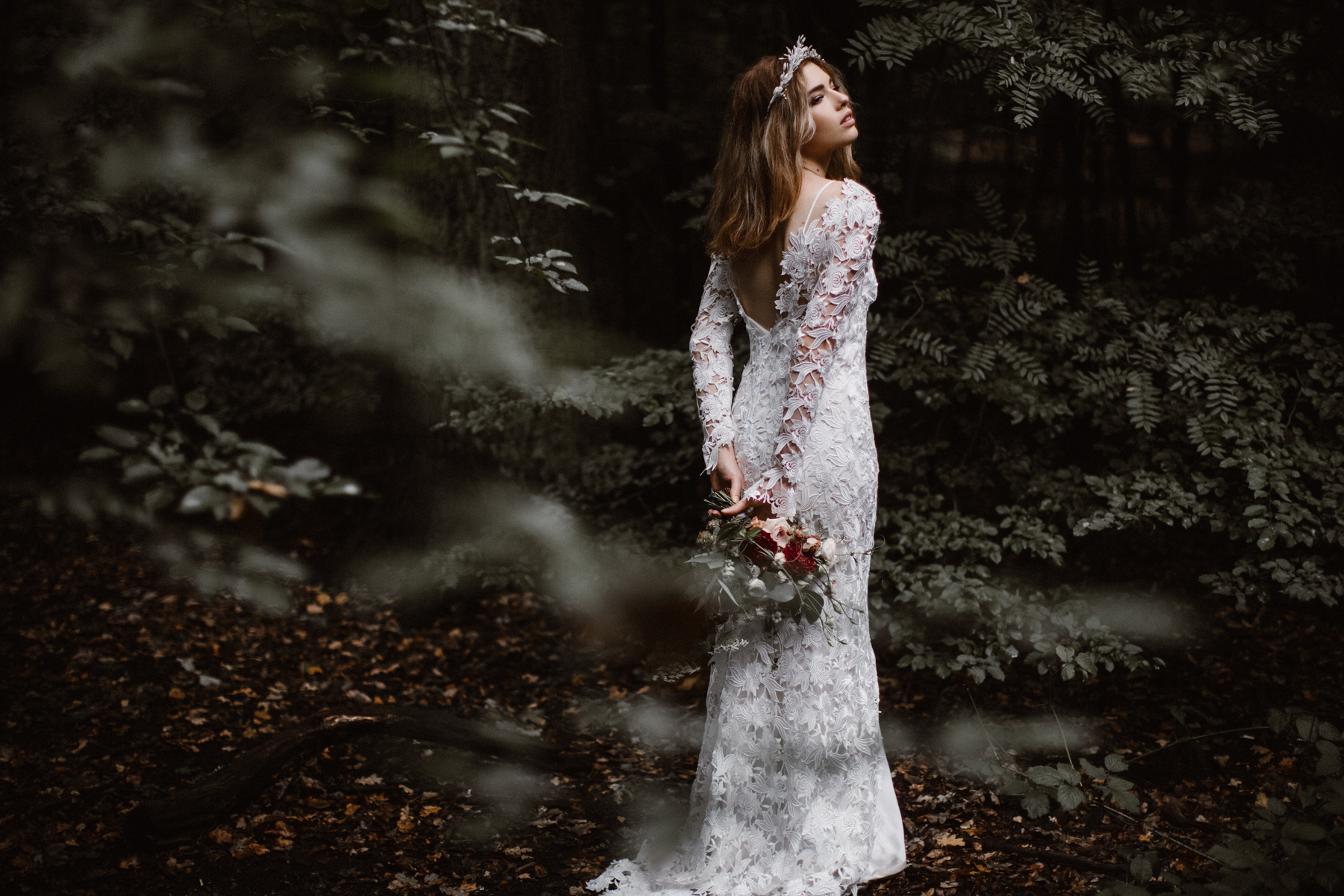 river-and-fern-london-bride-woodland-shoot-20