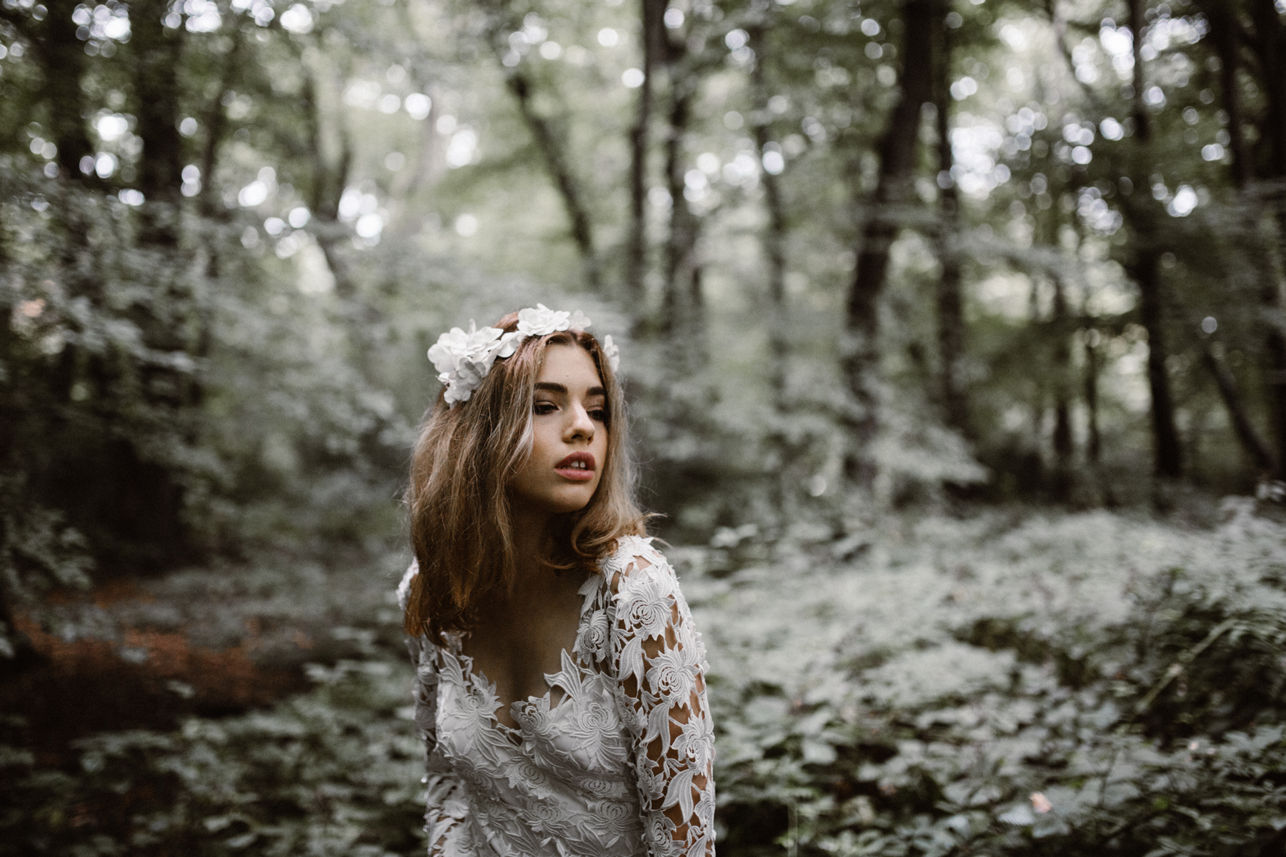 river-and-fern-london-bride-woodland-shoot-26