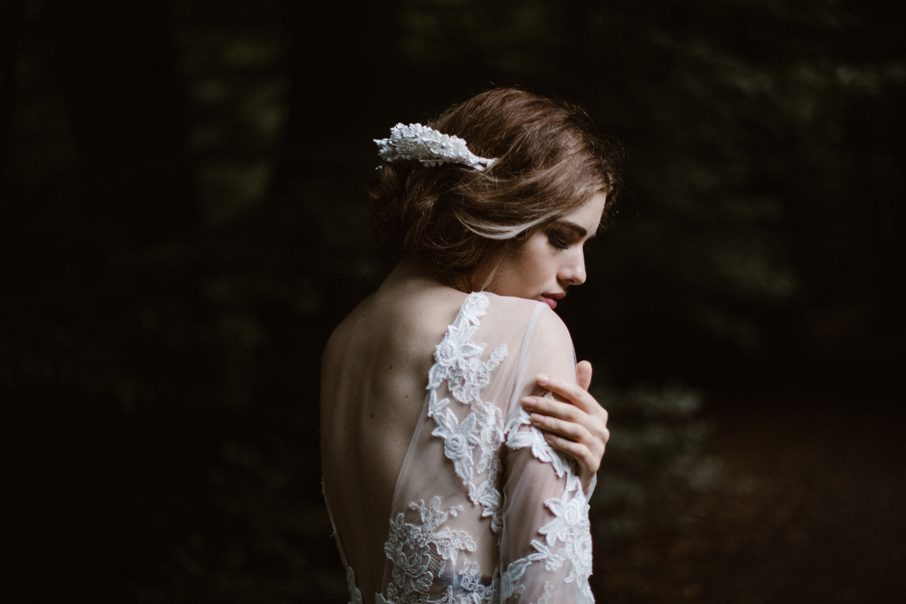 river-and-fern-london-bride-woodland-shoot-29
