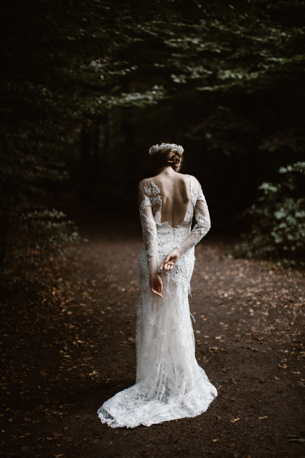 river-and-fern-london-bride-woodland-shoot-30