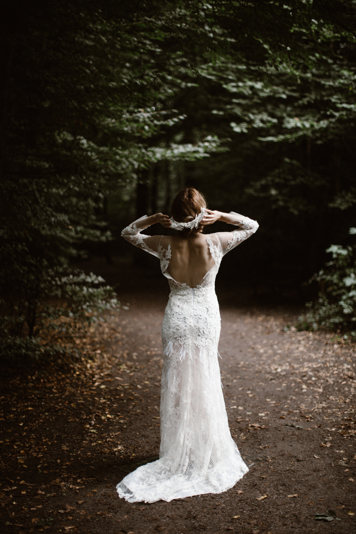 river-and-fern-london-bride-woodland-shoot-31