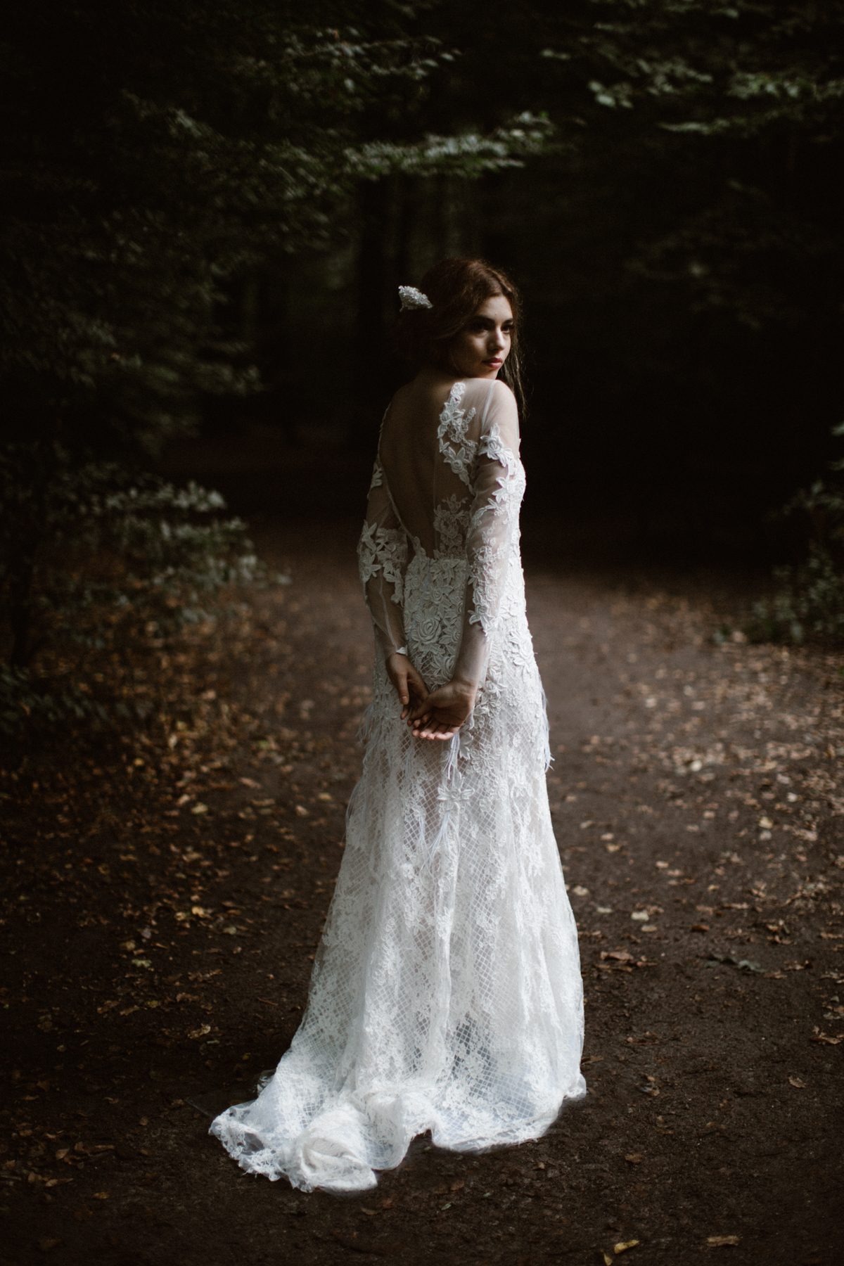 river-and-fern-london-bride-woodland-shoot-32