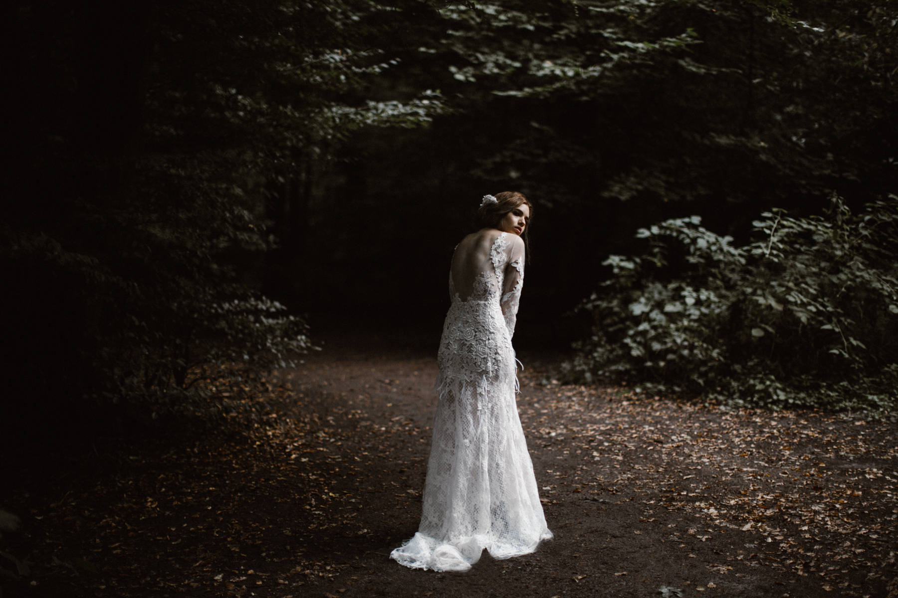 river-and-fern-london-bride-woodland-shoot-34