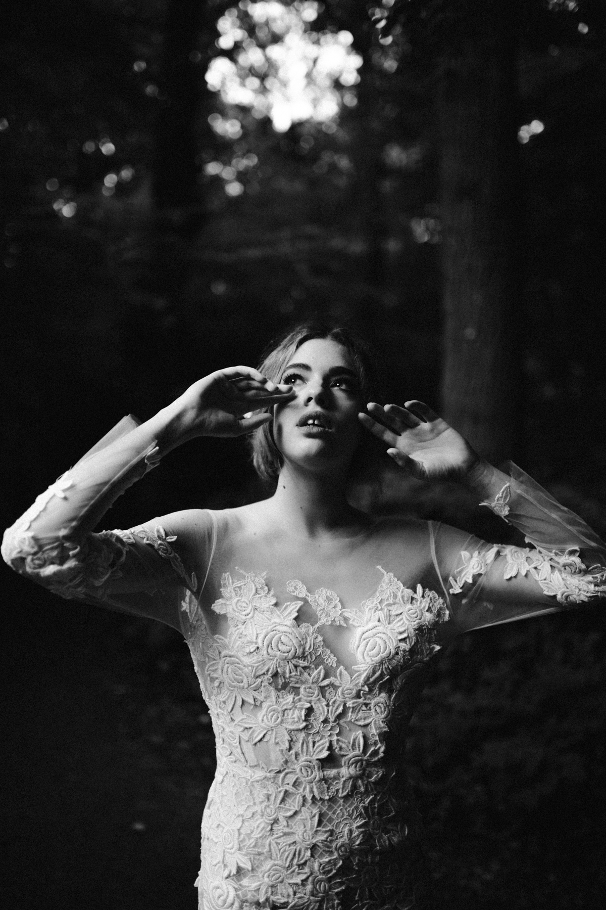 river-and-fern-london-bride-woodland-shoot-39