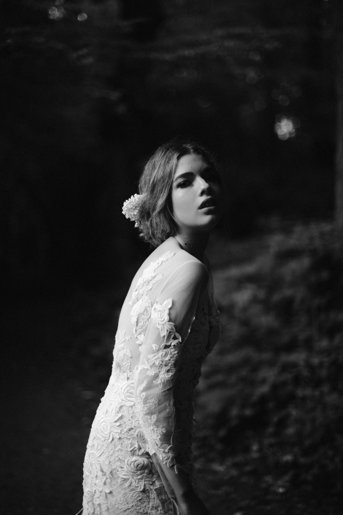 river-and-fern-london-bride-woodland-shoot-41