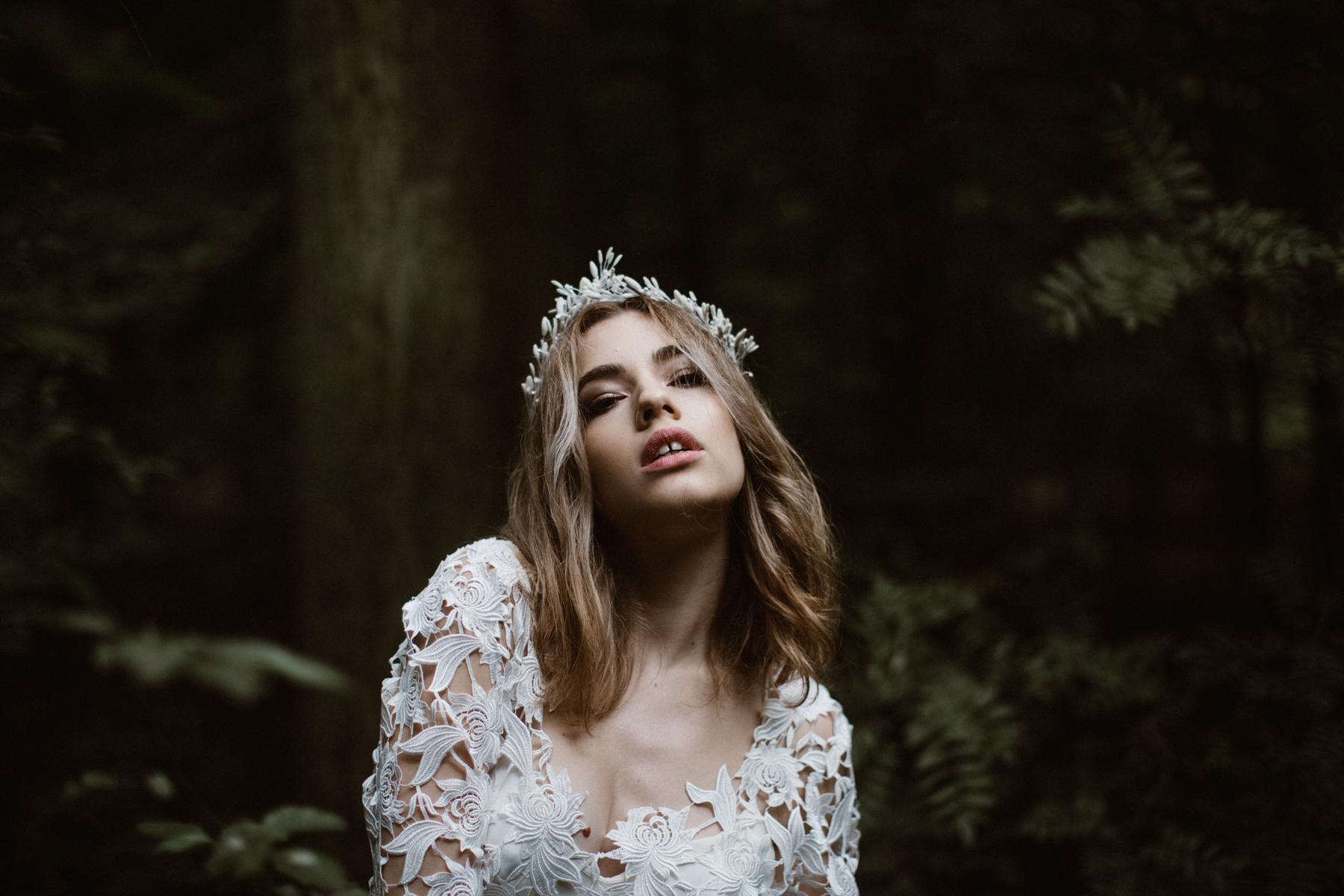 river-and-fern-london-bride-woodland-shoot-8